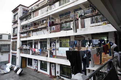 チベット人が住む普通のマンション
